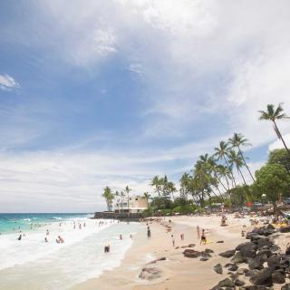 Crystal clear beaches in Kona on the island of Hawaii